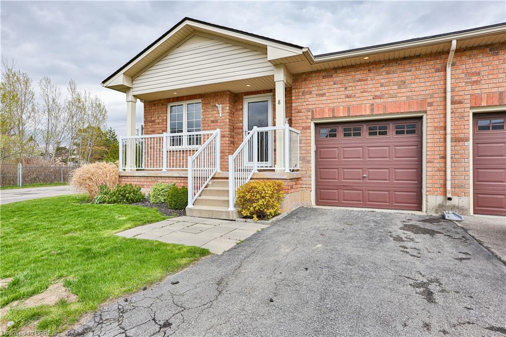 54 GARDEN Avenue #8, Brantford, Ontario N3S 0A1