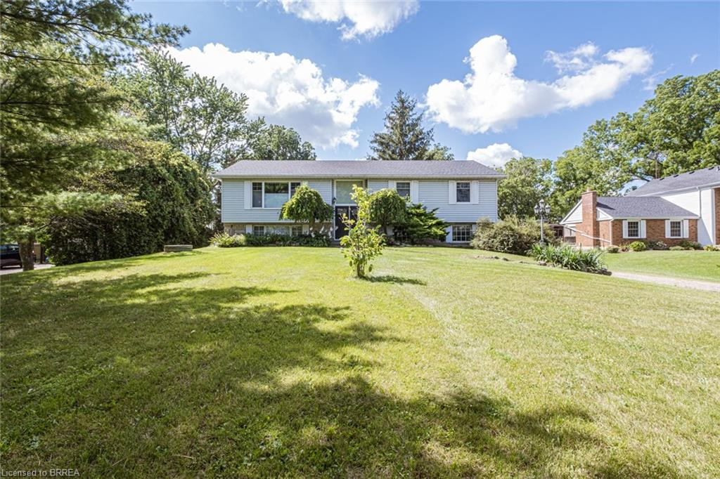 31 BLOSSOM Avenue, Brantford, Ontario N3T 5L9