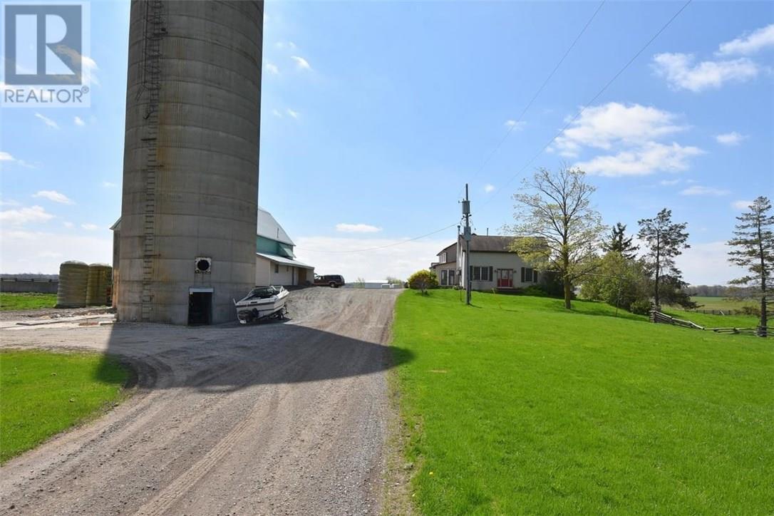 481 #54 Highway, Brantford, Ontario  N3T 5L9 - Photo 2 - 30615214