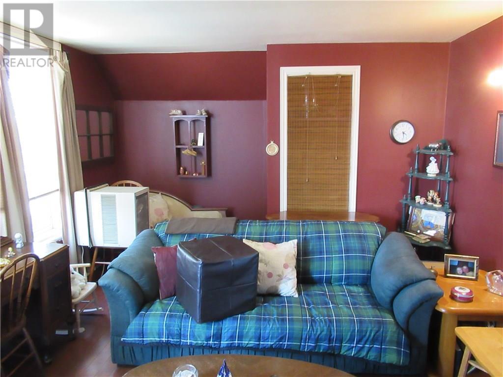 481 Colborne Street, Brantford, Ontario  N3S 3N9 - Photo 7 - 30653750