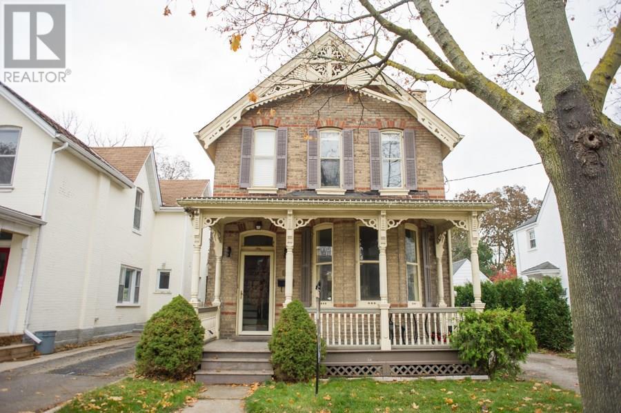 20 Chestnut Avenue, Brantford, Ontario  N3T 4C1 - Photo 1 - 30655394