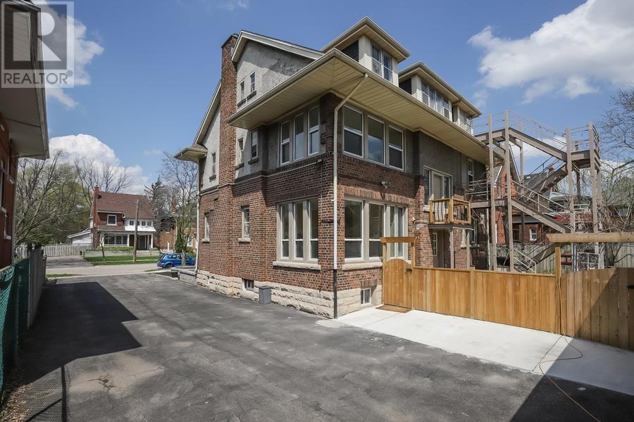 145 Sheridan Street, Brantford, Ontario  N3S 4P5 - Photo 23 - 30655813