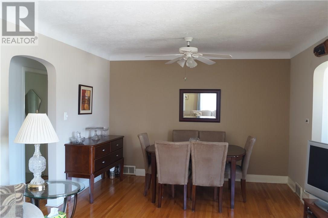 22 Manor Road, St. Catharines, Ontario  L2N 3B5 - Photo 14 - 30658242