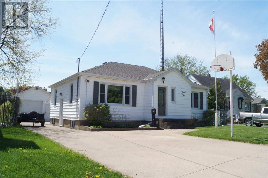 22 Manor Road, St. Catharines, Ontario  L2N 3B5 - Photo 2 - 30658242
