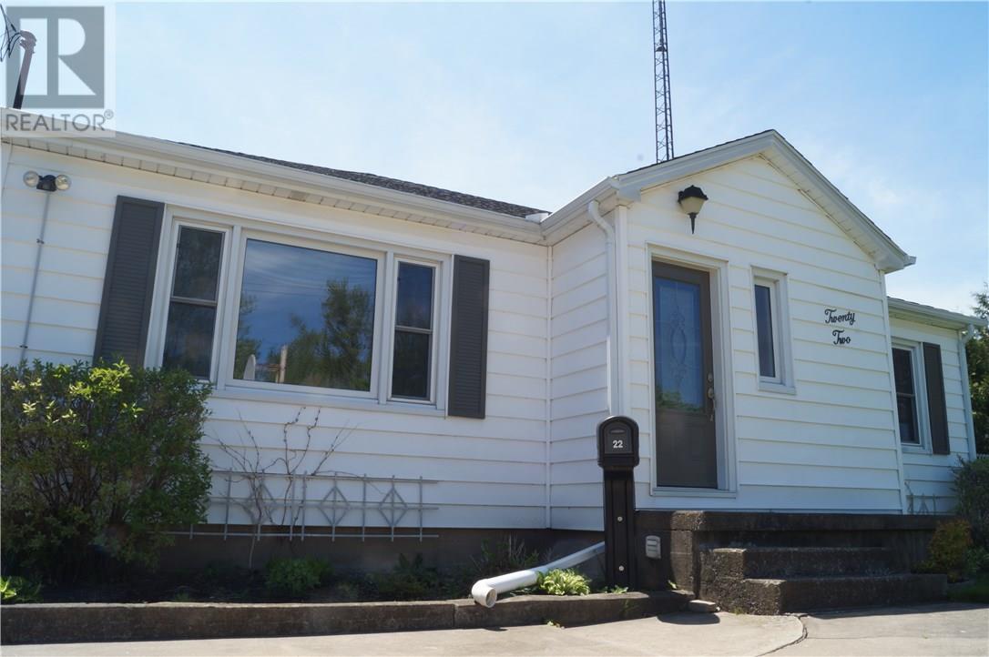 22 Manor Road, St. Catharines, Ontario  L2N 3B5 - Photo 3 - 30658242
