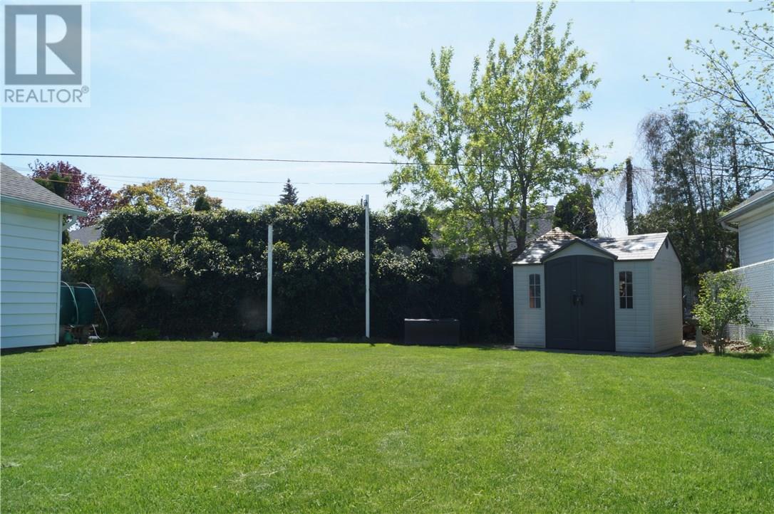22 Manor Road, St. Catharines, Ontario  L2N 3B5 - Photo 8 - 30658242